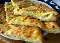 Быстрое хачапури к завтраку. 1 яйцо 1 стакан молока 1 стакан муки 300 г сулугуни…