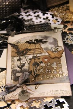 8 videos of Tim Holtz at the Sizzix Booth - CHA 2016 - http://scraptime.ca/blogpage/?p=11726
