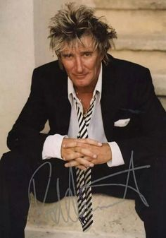 Check out Rod Stewart @ Iomoio Rod Stewart, Sound Of Music, My Music, Music Den, Singing In The Car, David Wood, Pop Rock Music, Famous Musicians, Forever Young