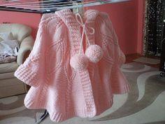 Fantasztikus, irigykedve nézzük, mert erre szavakat se találálni Crochet Dress Girl, Crochet Baby, Knit Crochet, Baby Cardigan Knitting Pattern, Baby Knitting Patterns, Baby Boy Sweater, Basket Nike, Girls Dresses, Kids