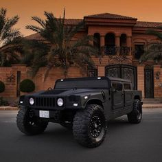 The extremely offroad hummer Hummer Cars, Hummer Truck, Jeep Truck, Hummer H3, Cool Trucks, Big Trucks, Cool Cars, My Dream Car, Dream Cars
