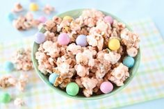 Don't know what snacks to make for Easter? Or having an Easter party and need a great snack? Well you've come to the right place! Make your own,homemade Salted Caramel Easter Popcorn!  Recipe on www.twopeasandtheirpod.com