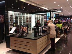Cosmetics Retail - MAC Cosmetics, World Class Duty Free, Terminal 5 Heathrow Mac Cosmetics Uk, Mac Store, Cosmetic Shop, Showroom Design, Retail Interior, Window Design, Makeup Stores, Studio Design, Interiors