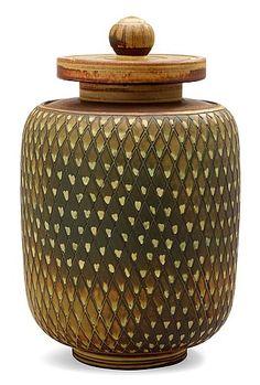 A Wilhelm Kåge Farsta stoneware vase, Gustavsberg Studio, 1951. Height 28 cm.. - Modern Autumn Sale, Stockholm 569 – Bukowskis