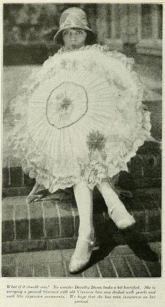 Parasol Photoplay 1925 #umbrella