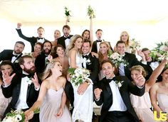 Totally amazing wedding photo to take with your bridesmaids or groomsmen