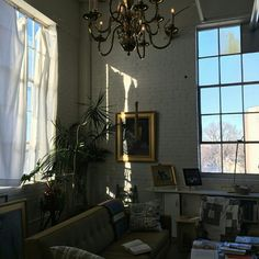 eclectic mid century modern living room decor in a loft big windows houseplants Dream Apartment, Aesthetic Rooms, Home And Deco, Interior Exterior, My New Room, House Rooms, Home Collections, My Dream Home, Living Spaces