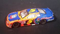 2000 Hot Wheels Kellogg's Cereal Terry Labonte  #5 Nascar Monte Carlo Diecast Toy Car https://treasurevalleyantiques.com/products/2000-hot-wheels-kelloggs-cereal-terry-labonte-5-nascar-monte-carlo-diecast-toy-car #2000s #HotWheels #Kelloggs #Cereal #Breakfast #TerryLabonte #Nascar #RaceCar #FastCars #Chevrolet #Chevy #MonteCarlo #Diecast #Collectibles #Toys #Cars #TonyTheTiger