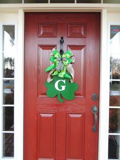 St Patricks Day Wreath - Monogrammed Shamrock Door hanger - Monogram wreath - St Patricks day Bow Initial wreath decoration