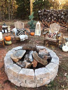 63 Trendy Ideas Backyard Patio Diy On A Budget Living Spaces Diy Fire Pit, Fire Pit Backyard, Backyard Patio, Backyard Seating, Best Fire Pit, Yard Landscaping, Landscaping Ideas, Desert Backyard, Fire Pit Decor