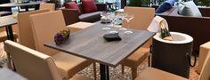 Minimal è una sedia imbottita sobria ed elegante che attraverso il suo profilo slanciato la rende la seduta senza tempo per eccellenza, caratterizzata da gambe rivestite in tessuto. Minimalism, Table Settings, Outdoor, Furniture, Design, Home Decor, Elegant, Outdoors, Decoration Home