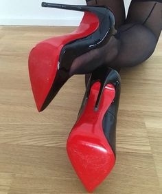 Celebrating beautiful women and the great legs, stiletto pumps and stockings that make me crazy! High Heels Boots, Platform High Heels, Black High Heels, High Heels Stilettos, Heeled Boots, Stiletto Heels, Shoe Boots, Red Sole Heels, Black Shoes