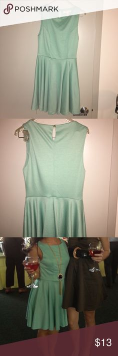 Mint colored Forever 21 dress Comfy, flowy Forever 21 dress. Worn maybe twice only. Dress it up with fun jewelry for a formal evening or dress it down in cute sneakers! Forever 21 Dresses