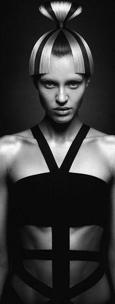 Karen Kananian Pepe Le Pew, Black Figure, Hair Trends, Black Shoes, Black Hair, Black And White, Classic, Beauty, Color