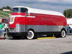 1950 GM Futurliner concept bus