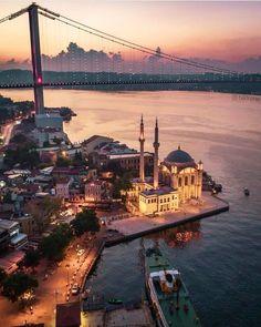 Photos of the World, Istanbul, Turkey Soho House Istanbul, Istanbul City, Istanbul Travel, Hagia Sophia, Wonderful Places, Beautiful Places, Turkey Photos, Jordan Travel, Beautiful Mosques