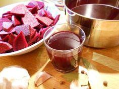 czerwone buraki, witaminy, fit, napój, zakwas, zdrowie Chocolate Fondue, Red Wine, Alcoholic Drinks, Food, Essen, Liquor Drinks, Meals, Alcoholic Beverages, Yemek