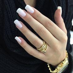 New Shellac Nails French Color Ideas Shellac Nails French, Ongles Gel French, Minimalist Nails, Basic Nails, Simple Nails, Line Nail Art, Lines On Nails, Stylish Nails, Holiday Nails