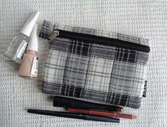 Make up cosmetic bag zipper pouch case plaid checkered
