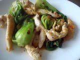 Pak choi s kuřecím prsíčkem recept Pak Choi, Sprouts, Cabbage, Chicken, Meat, Vegetables, Recipes, Food, Google