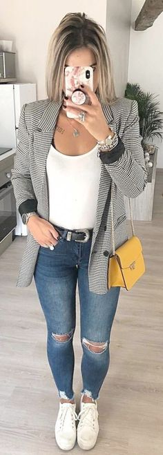 003 looks com tenis, gray blazer, outfit jeans, blazer out Mode Outfits, Sport Outfits, Trendy Outfits, Gray Outfits, Chic Outfits, Blazer Fashion, Fashion Outfits, Womens Fashion, Travel Outfits