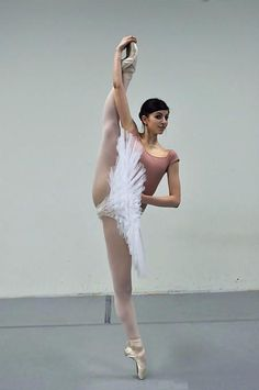 Stretching on pointe