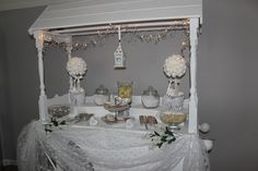 White wedding candy cart Candy Cone, Wedding Candy, Cart, Wedding Inspiration, Sweet, Diy, Home Decor, Mesas, Covered Wagon