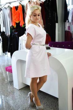 Sukienka z dzaniny dresowej. White Dress, Dresses, Fashion, Vestidos, Moda, Fashion Styles, Dress, Fashion Illustrations, Gown