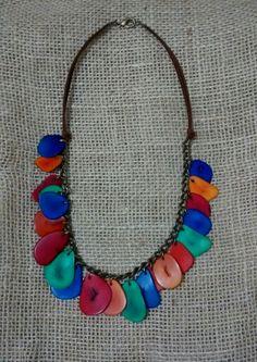 Colar de jarina.  Necklace maden by a brazilian seed.  #ecojoias #biojoias #ecojewelry #bonejewelry #seed