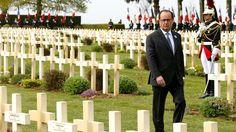 """Le président de la République a appelé dimanche, lors de la commémoration du centenaire de cette bataille sanglante de la première guerre mondiale, à """"défendre"""" """"l'Europe unie""""."""