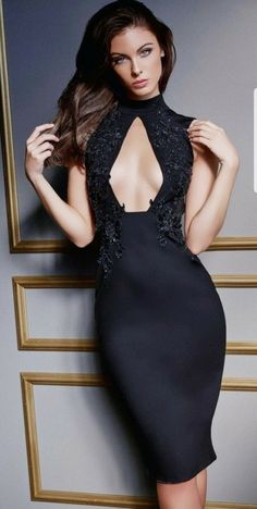 FASHION BLACK Stunning Dresses, Pretty Dresses, Straight Hairstyles, Cool Hairstyles, Wilhelmina Models, Evening Dresses, Formal Dresses, New Hair, Curly Hair Styles