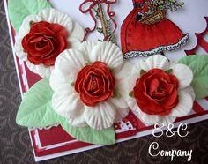 Cartão confeccionado com flores, enfeites e papéis E&C Company http://www.ccompany.com.br