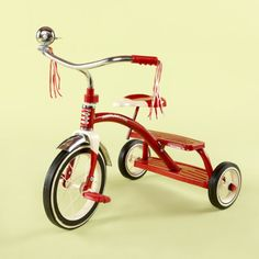 Old and Classic Games and Retro Toys from the and My boys have this retro tricycle. Red Tricycle, My Childhood Memories, Childhood Toys, Best Memories, Vintage Tupperware, Nostalgia, Toy History, British History, Godchild