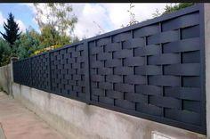 #Verja #residencial de #ocultación fabricada con #chapa #trenzada y #enmarcada, http://vinuesavallasycercados.com/