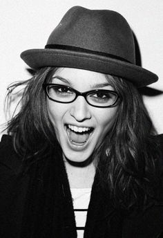 Leighton Meester- Can she be anymore cute!