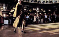Ferdinando Scianna 1987    Leningrad. Fashion show.