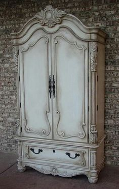 Antique Furniture LuxTouch Vintage Furniture & Decor ~ With Louise May Heath. Refurbished Furniture, Repurposed Furniture, Shabby Chic Furniture, Furniture Makeover, Antique Furniture, Furniture Decor, Bedroom Furniture, Bedroom Dressers, Furniture Online