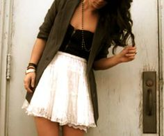 Love the long blazer and the white skirt.