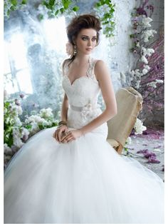 Affordable Trumpet / Mermaid Sweep Train Keyhole Back Lace and Tulle Wedding Dresses Bridal Gowns 2302028