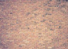 A se casser le nez! du papier peint imitation mur de briques!