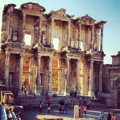 Efeso e l'architettura dedicata alla Dea Artemide by Veronica Gatti