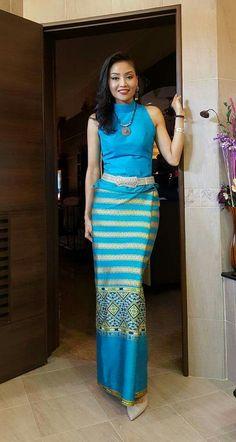 Traditional Thai Clothing, Myanmar Traditional Dress, Traditional Dresses, Thailand Fashion, Thai Fashion, Sari Dress, Batik Fashion, Sexy Outfits, Fashion Dresses