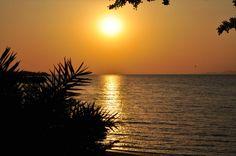 Sundown at Lake Victoria #kenya #uganda #tanzania #eastafrica #nightview #waterlife #travel #sparkingtraveemotions #ikazerwanda