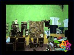 MICHOACÁN MÁGICO. La Casa Añil se encuentra ubicada en uno de los portales de la plaza principal en el centro de Jiquilpan. Este espacio surge de la iniciativa de un grupo de artesanos para promover la venta y exposición de artesanías realizadas por sus familias en esta comunidad. Aquí podrá encontrar rebozos de seda, artículos de palma, y muchas artesanías más. HOTEL ESTEFANIA http://www.hotelestefania.com.mx/