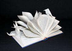 Altered book  - Le corbeau et le renard -  Fable  de Jean de Lafontaine - Marielle JL - Paper art - Livre sculpture