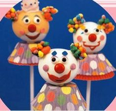 clown cake pops!