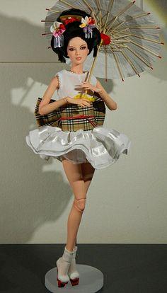 SE Asian modern Japanese geisha doll