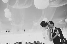 #Weddings #bride #lovely #weddingideas #weddingdress #vintagedress #bride #portrait #makeupbride #peru #film #couples #destinationwedding #rings #perfectkiss #kiss #inlove #chachani #arequipa #arequipa #diasoleado #nellypostigo #cateringarequipa #cateringnellypostigo