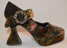 Vintage 90s does 20s Wild Pair Floral Pattern by SakuraVintage2011