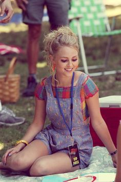 "AnnaSophia Robb would have the role of being Alice. Because of her facial appearance, she has the perfect look to portray a little girl. In addition, she remarkably is five feet; therefore, she would actually have the height of what would match as a child. In previous movies that she has been casted in, she would always play as the character who would venture off their comfort zone. In ""Soul Surfer"" she would portray a character who does not quit and is not afraid to step out of boundaries."